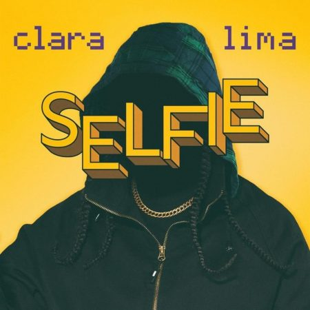 Capa do disco selfie, de Clara Lima